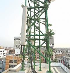 竹でできた通信タワー