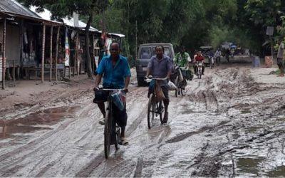 少しの雨でも道路は危険