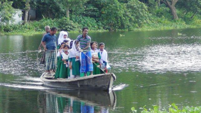 通学は一隻のボート頼み