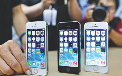Appleは老化したiPhoneを遅くすると言って訴訟に直面する