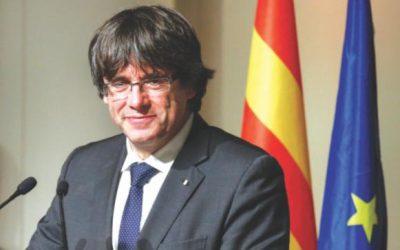 スペイン、元指導者の令状撤回