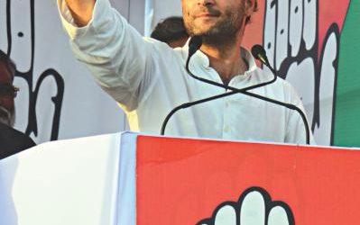 Rahul Gandhiが議会で舵取りを取る
