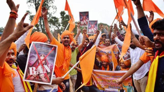 インドの文化戦争がボリウッドに...