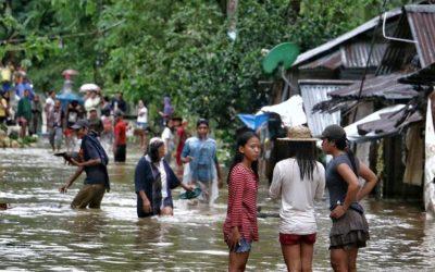 フィリピンの嵐の後、26人が地滑りで死亡