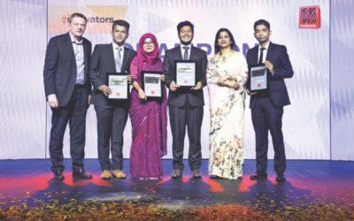 グランド・フィナーレの「Banglalink Ennovators」クラウン受賞