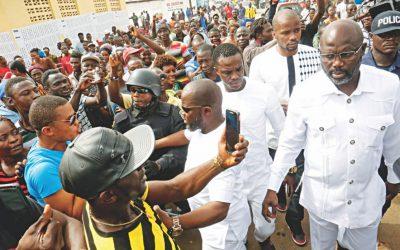 リベリア人が元選手、副社長を選ぶ