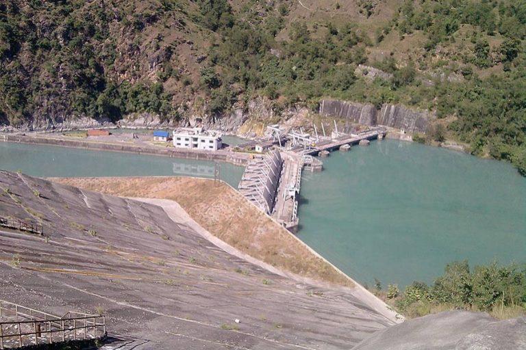 ネパールに水力発電所を提案