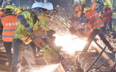 8.5時間で1,500人の労働者が鉄道を建設