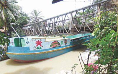 予期しない川の橋がスムーズな旅に支障をきたす