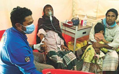 Rohingyasにケータリングするマレーシアのフィールド病院