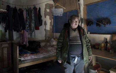移民労働者の退去が北京の背骨で裂ける