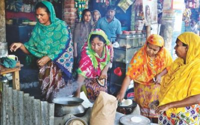 女性が道端レストラン運営