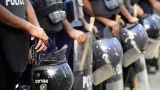 警察週間:改革と儀式の間