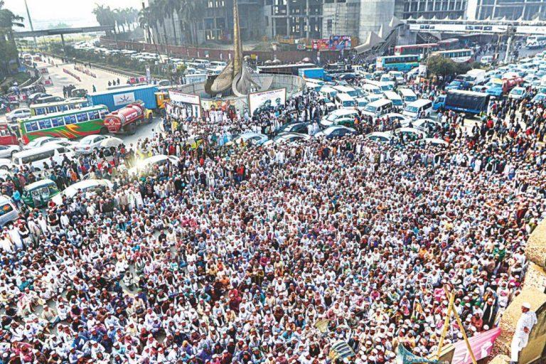 デモで都市交通混乱