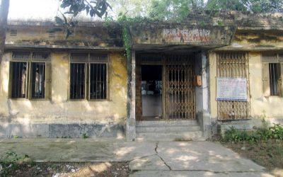 Adamdighiの主な郵便局が死の罠に変わる
