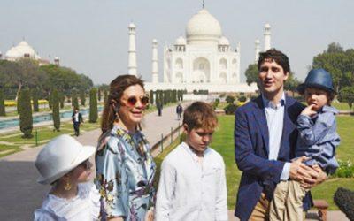 トルドーはタジマハルでインド旅行を開始