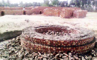 七人の村人が煉瓦の窯業家と対立して怪我を負っている