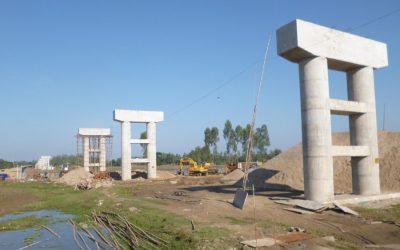 Jagannathpurで行われているクシャラのRaniganj橋の建設