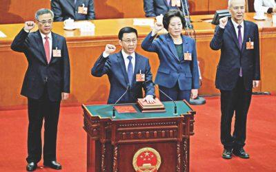 中国は、経済陣が貿易逼迫、債務杭