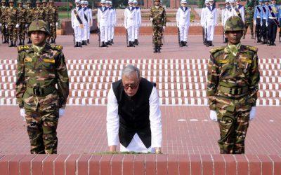 大統領はサバールで解放戦争殉教者に豊かな賛辞を支払う