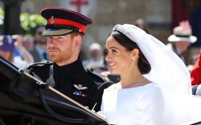 英国王室の結婚式を祝う