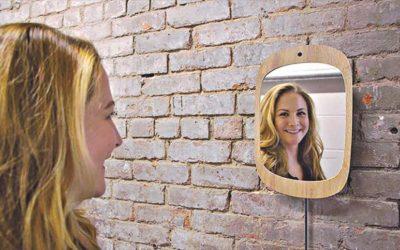 あなたが笑顔で働く鏡