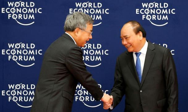 中国は米国の貿易列のシマーとして保護貿易を警告