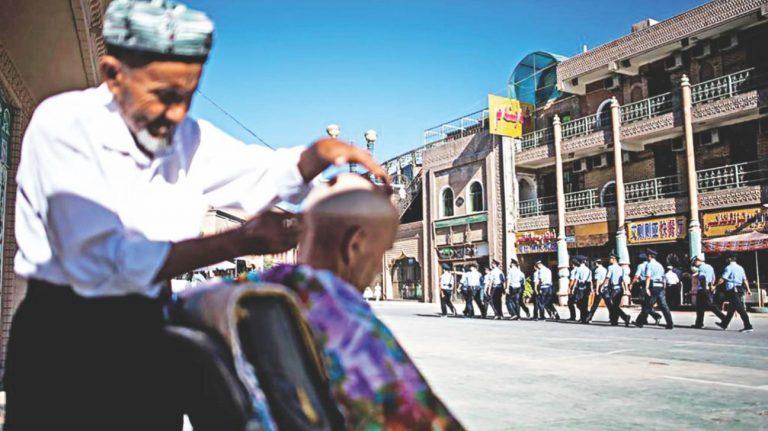 中国はウイグル人のイスラム教徒...