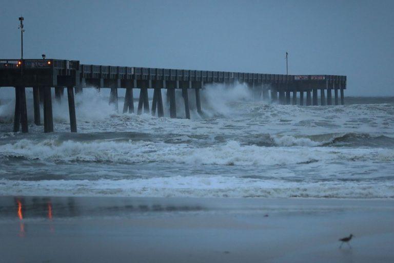 フロリダを襲う危険な嵐