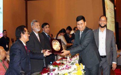 Rajesh Surana、CEOおよびIqbal Chowdhury、LafargeHolcim BangladeshのCFO