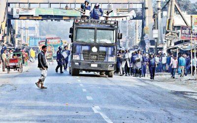 賃金改定にもかかわらず労働者のデモは続く
