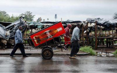 燃料価格の抗議の中でジンバブエの不安な静けさ