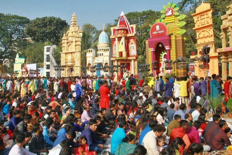 ヒンズー教のコミュニティはサラスワティプジャを祝う