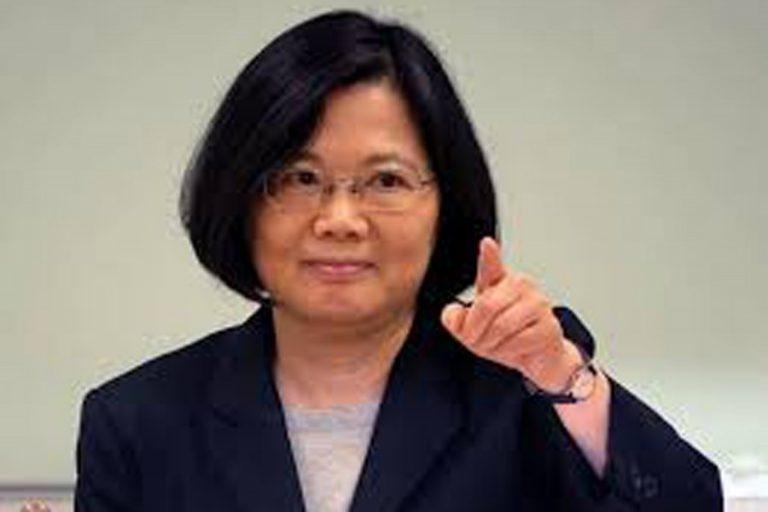 台湾は車を遮断するために腕を伸ばすように動く、と中国は言う