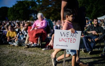 数千人が攻撃の犠牲者を称えるためにニュージーランドの集会に出席
