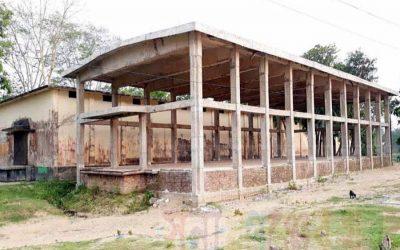 まだ完成していない8つの食料倉庫の建設
