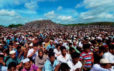 弾圧から2年、20万人が集会