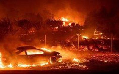 野火の中で米国の選挙で気候変動の重要な問題