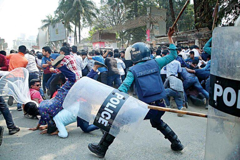 警察JCD抗議を阻止