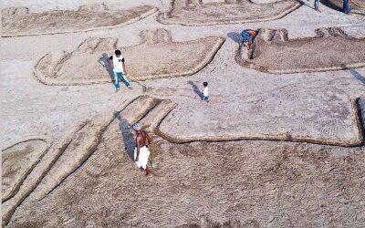 プミ、タクルガオンでコミュニティが生み出したランドアートの絵のような物語