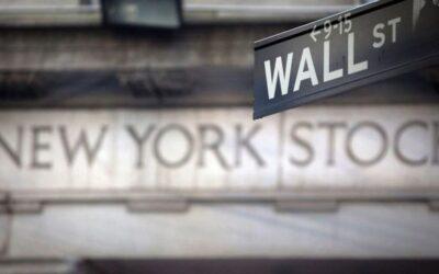 財務省の利回りが低迷する中、投資家は高配当株に注目している
